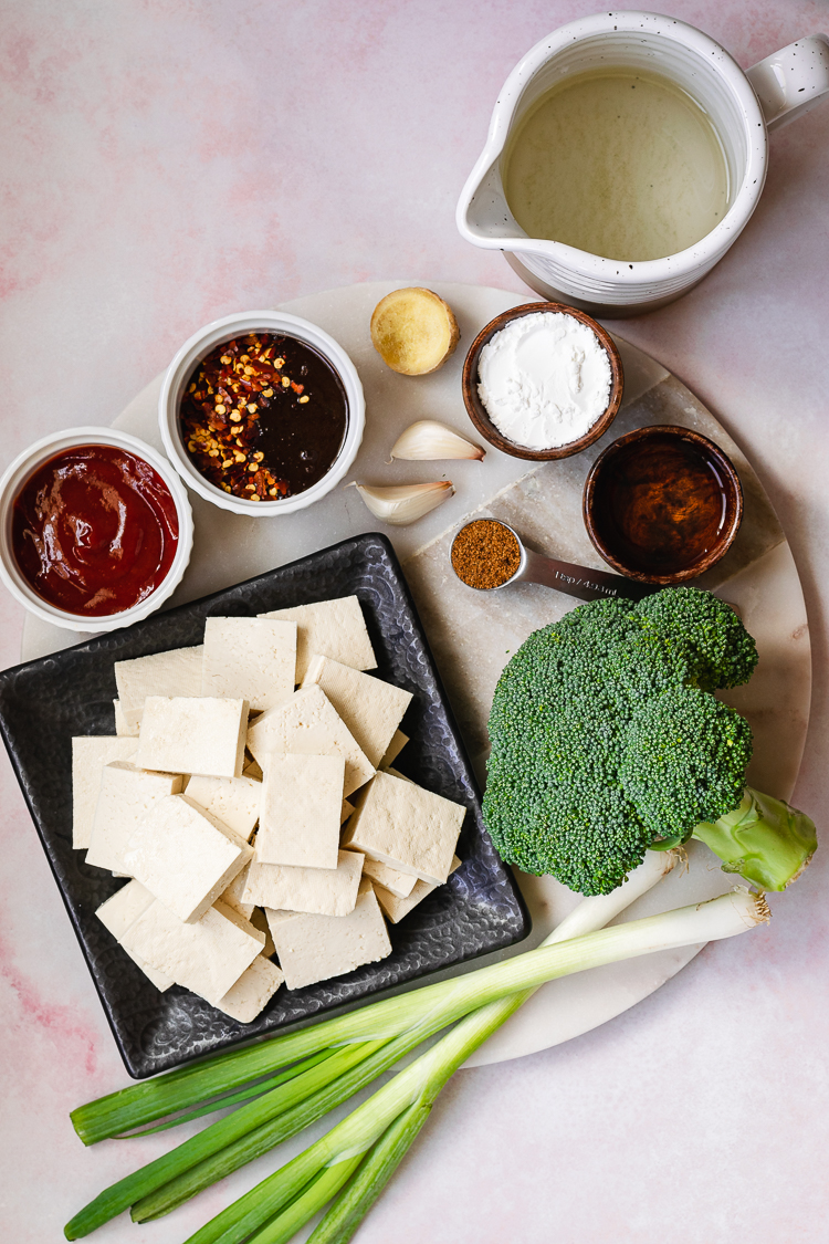 ingredients to make chili sauce tofu and broccoli